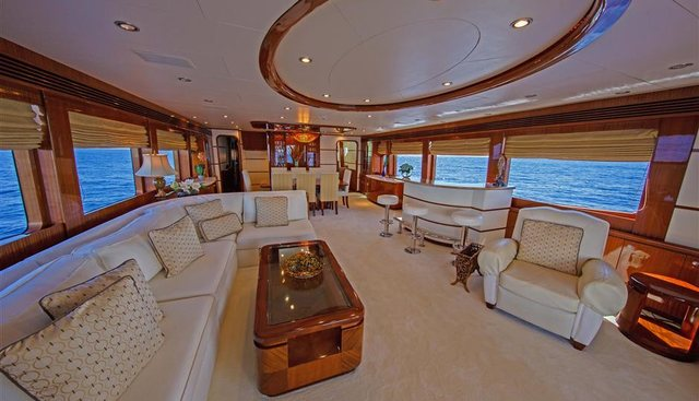 Huntress Charter Yacht - 2