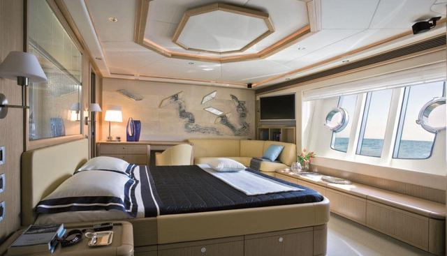Maxi Beer Charter Yacht - 8