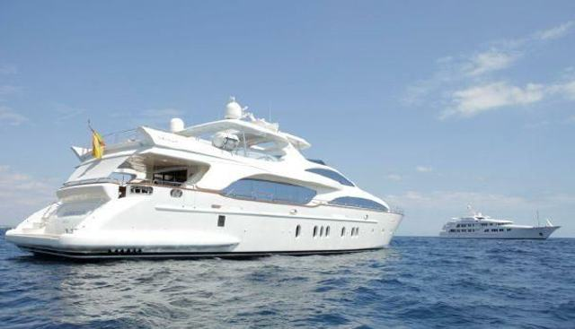 Activa Club Charter Yacht - 2