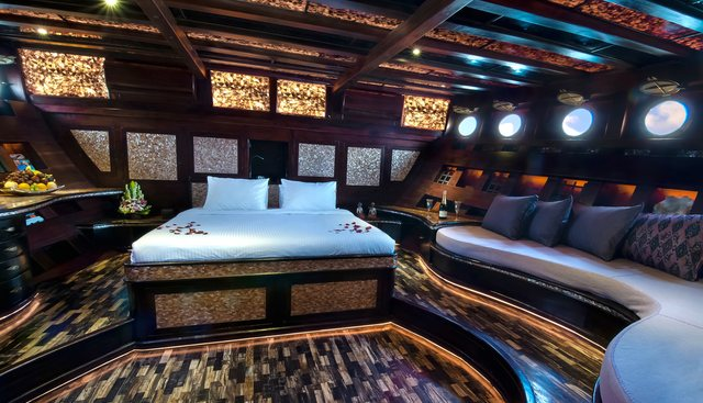 Manta Mae Charter Yacht - 6