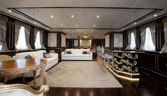 Status Quo Charter Yacht - 2