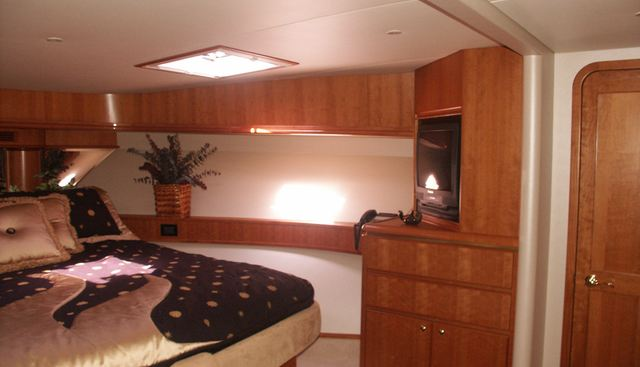 Off Course Charter Yacht - 5