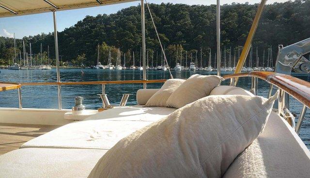 La Reine Charter Yacht - 2