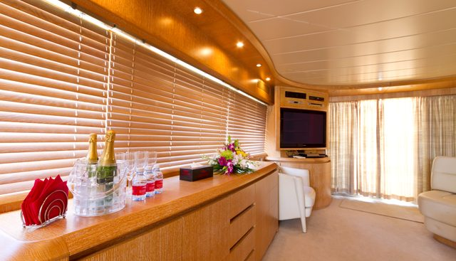 Xclusive XVI Charter Yacht - 7