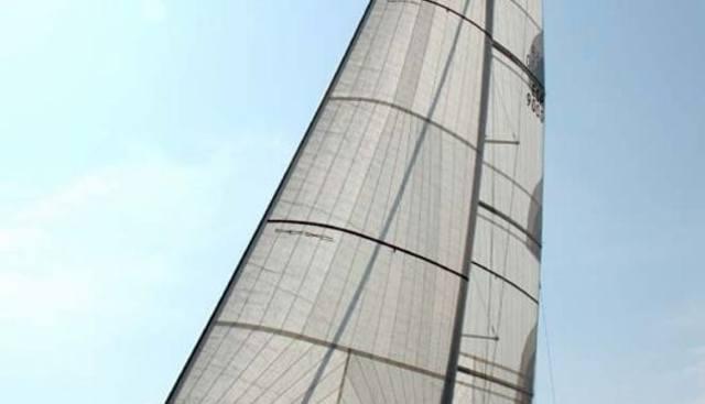 Alarife Cien Charter Yacht - 2