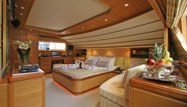 Pareaki II Charter Yacht - 4