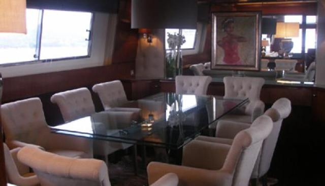 Queen South Charter Yacht - 8