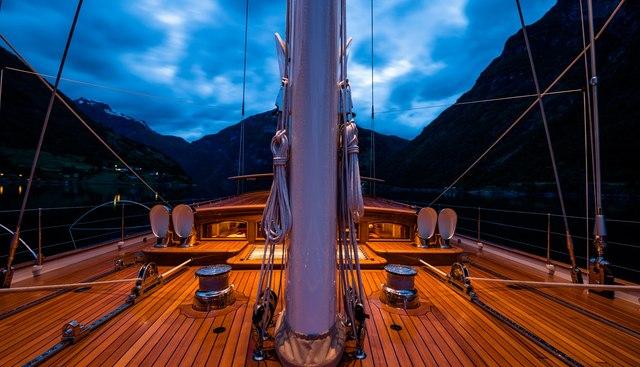 Wisp Charter Yacht - 5