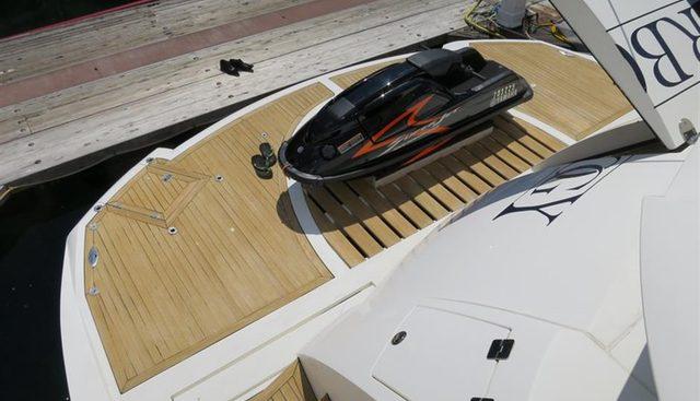 Manhattan 94 Charter Yacht - 6