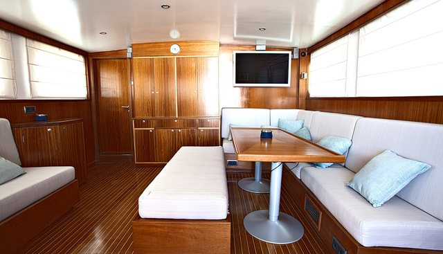 Spoom Charter Yacht - 8