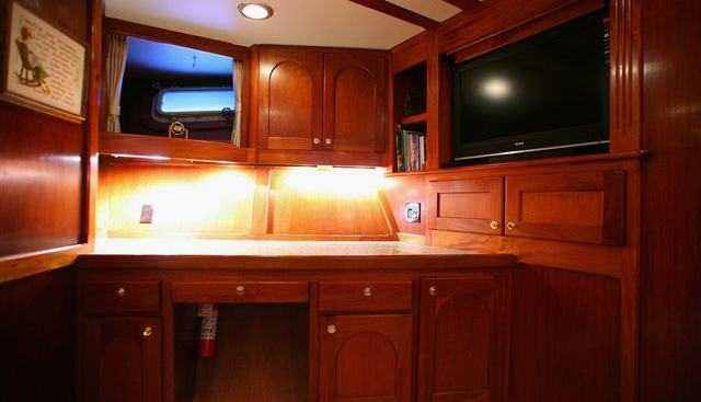 Guru Charter Yacht - 5