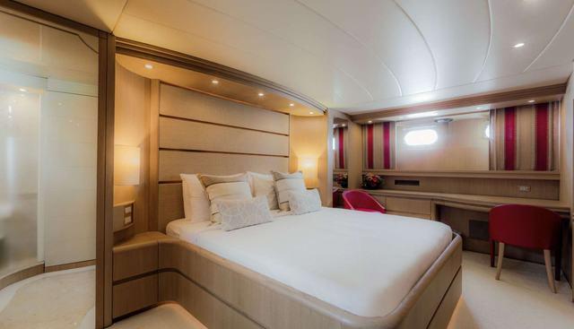 Aveline Charter Yacht - 8