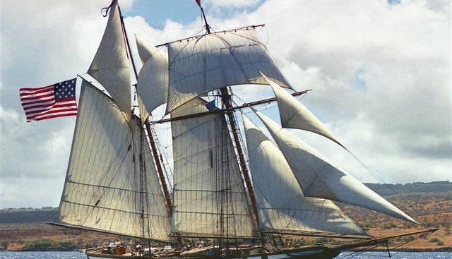 Lynx Charter Yacht