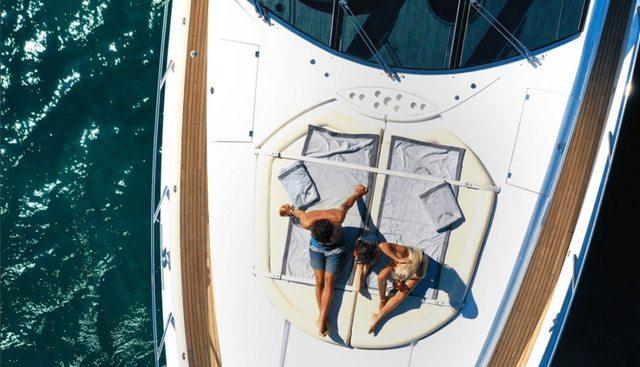 Light Blue Charter Yacht - 8