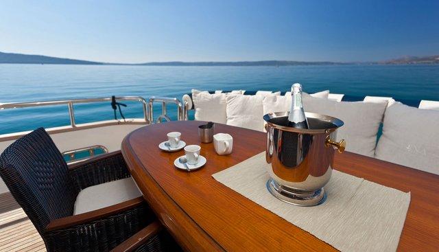Lona Charter Yacht - 7