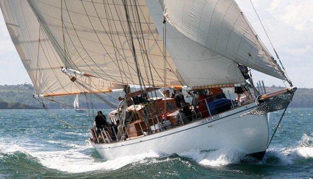 Etoile Polaire Charter Yacht