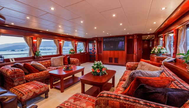Johnson Baby Charter Yacht - 6