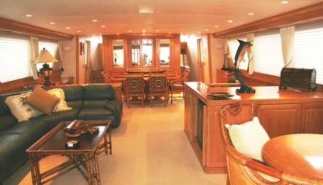 Center Ring Charter Yacht - 3