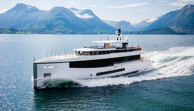 Kamino Charter Yacht