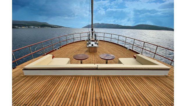 Dragonfly Charter Yacht - 2