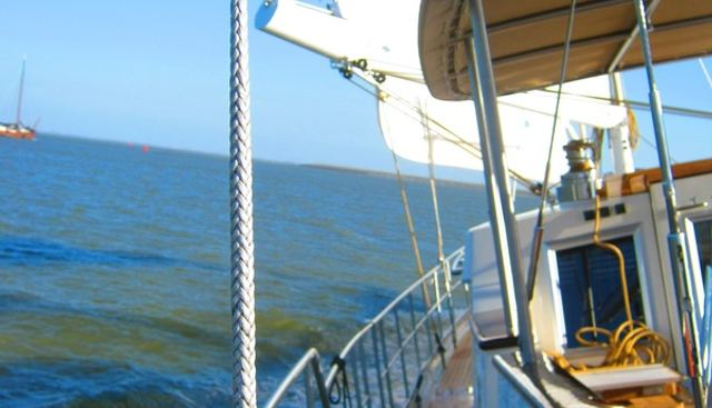Domicil Charter Yacht - 2