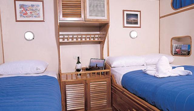 Tip Top III Charter Yacht - 3