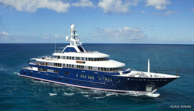 Huntress Charter Yacht