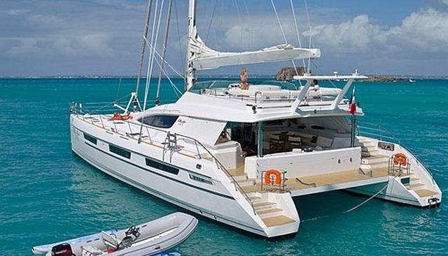 Sur L'eau Charter Yacht - 2