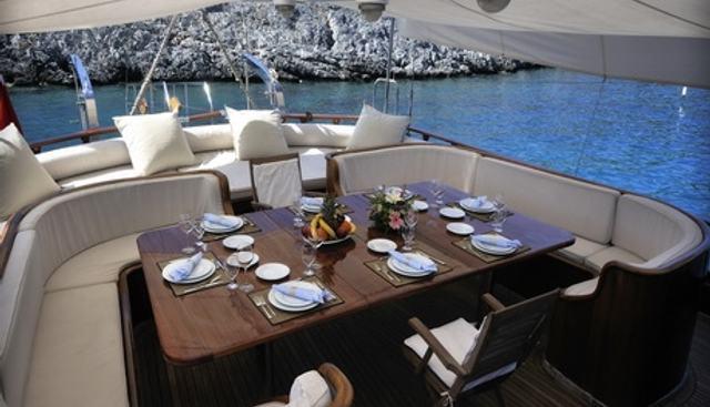 Dolce Vita Charter Yacht - 4