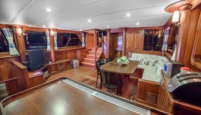 Dea Delmare Charter Yacht - 8