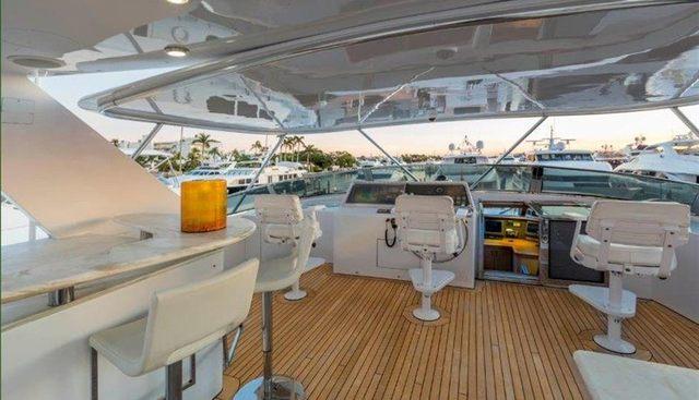 Cru Charter Yacht - 2