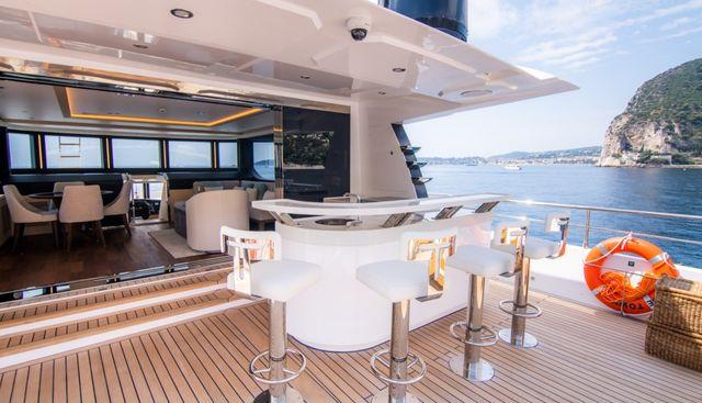 Isla Charter Yacht - 3