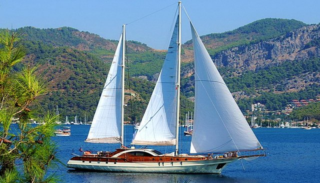 Justiniano Charter Yacht