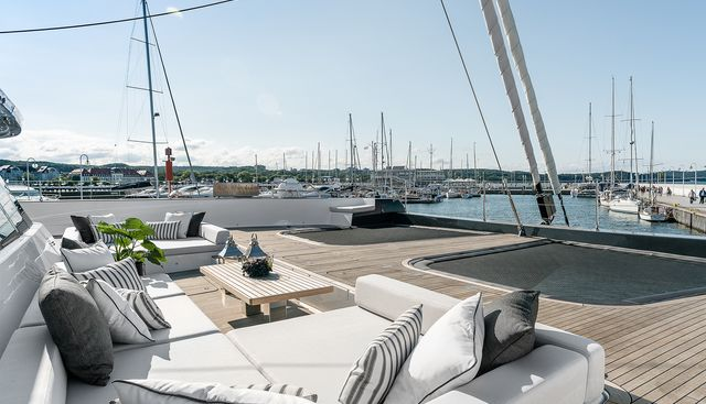 Above Charter Yacht - 3