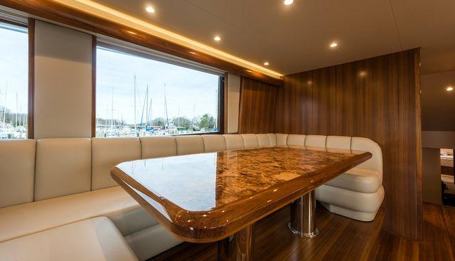18 Reeler Charter Yacht - 7