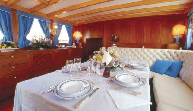Black Swan Charter Yacht - 3