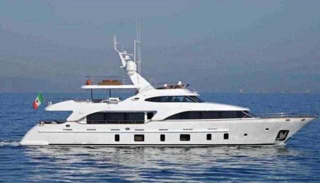 Streit Charter Yacht