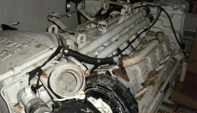 Uno Mas Charter Yacht - 2