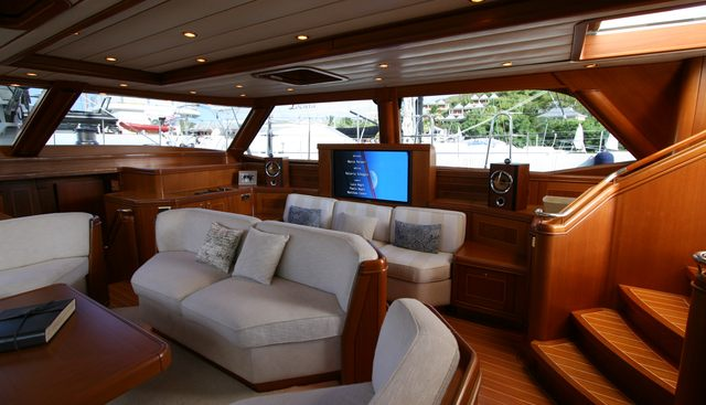 Mystery Charter Yacht - 7