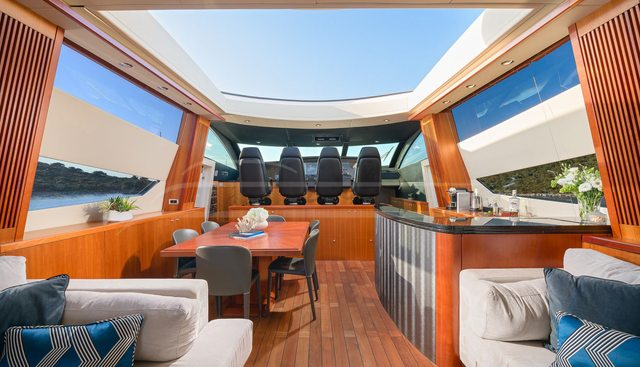 Quantum Charter Yacht - 8