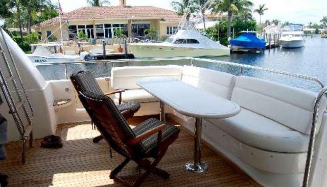 B Hive Charter Yacht - 4