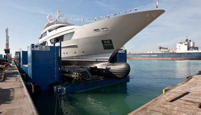 Pick Up Charter Yacht - 4