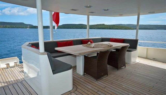 Dr No Charter Yacht - 4