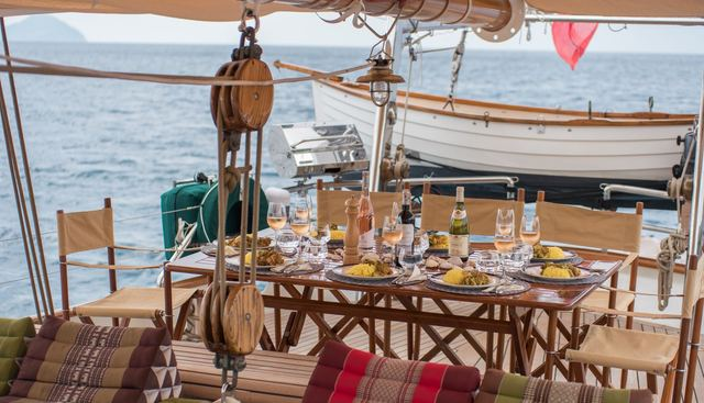 Dallinghoo Charter Yacht - 4