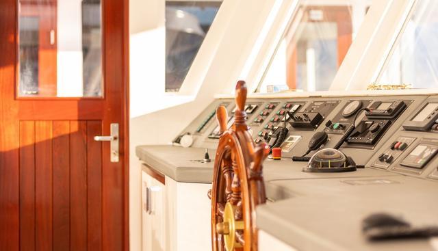 Yolo Charter Yacht - 7