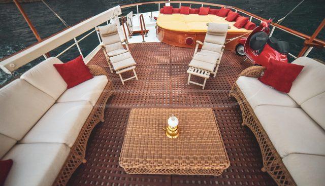 Entrancer Charter Yacht - 4