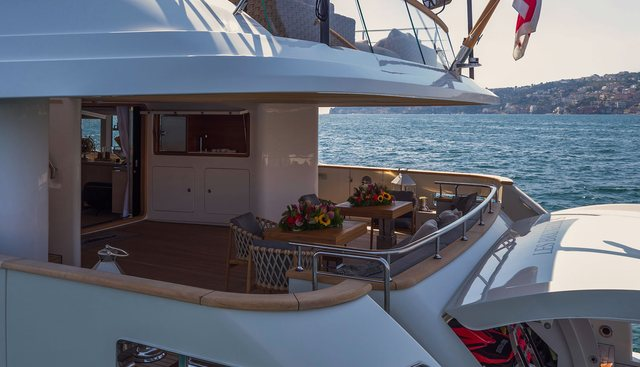 Les Bruxellois Charter Yacht - 4