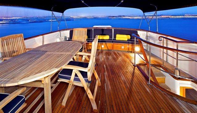 Beija Flor Charter Yacht - 2