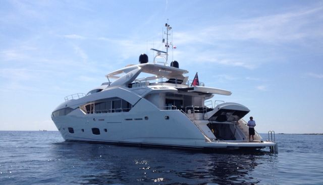 No.9 of London Charter Yacht - 5