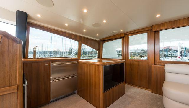 18 Reeler Charter Yacht - 5